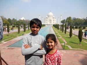 Amithy and Vikram at Taj Mahal